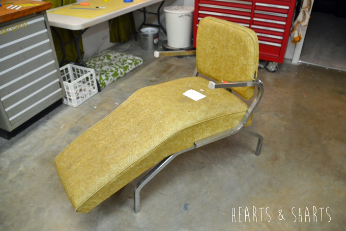Furniture Refurb: 1970's Salon Shampoo Chair | www.heartsandsharts.com