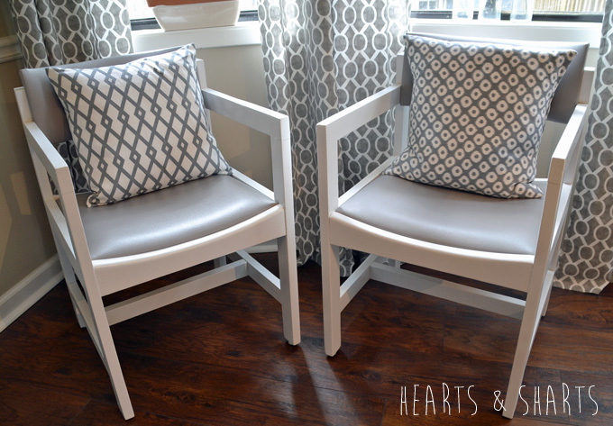 Kitchen-Chairs-Makeover-1-www.heartsandsharts.com