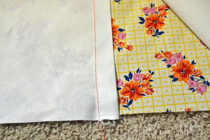 Sewing-Pillow-Shams-With-Flange-2-www.heartsandsharts.com