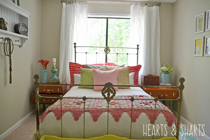 bedroom-makeover-1-hearts-and-sharts