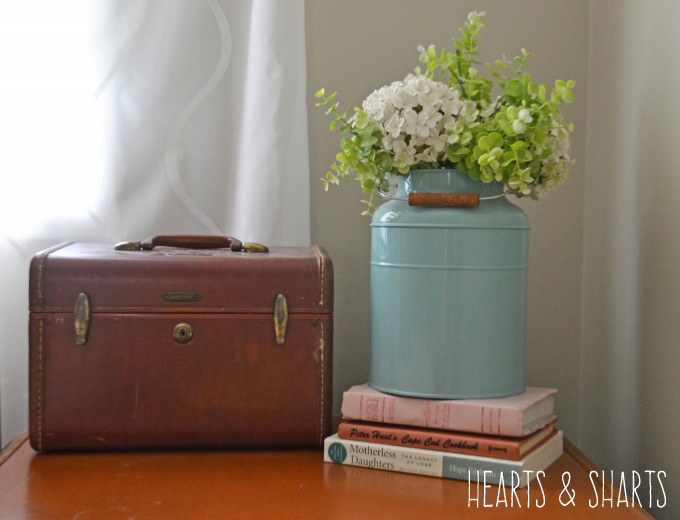vintage-luggage-hearts-and-sharts
