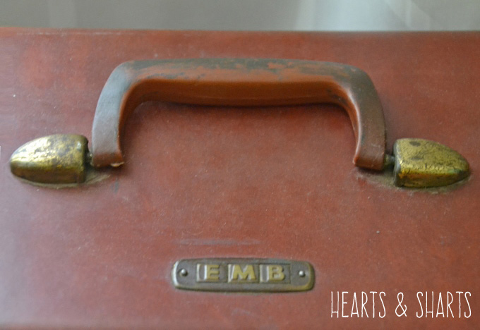 vintage-luggage-initials-hearts-and-sharts