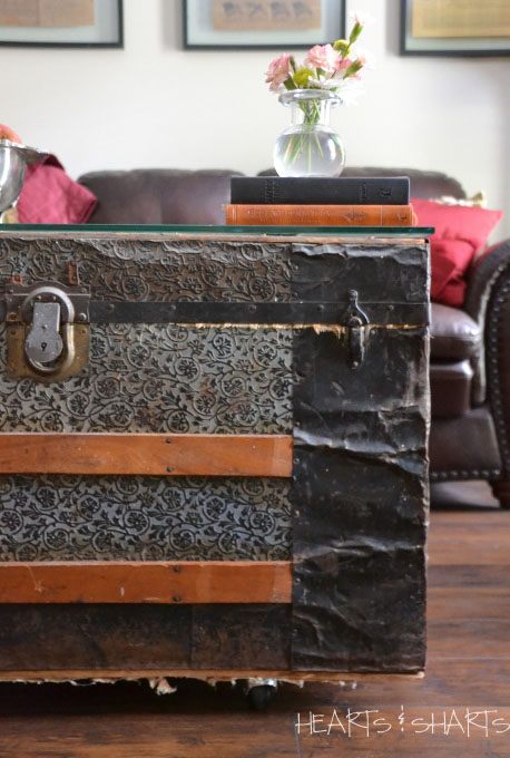 vintage-trunk-into-coffee-table-room makeover