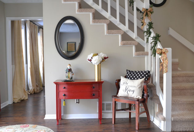 Holiday-Christmas-Entryway-foyer-Hearts-And-Sharts